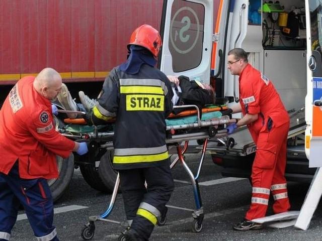 Akcja ratunkowa na rondzie Toruńskim trwała ponad pół godziny. Lekarze nie uratowali półtorarocznego dziecka.