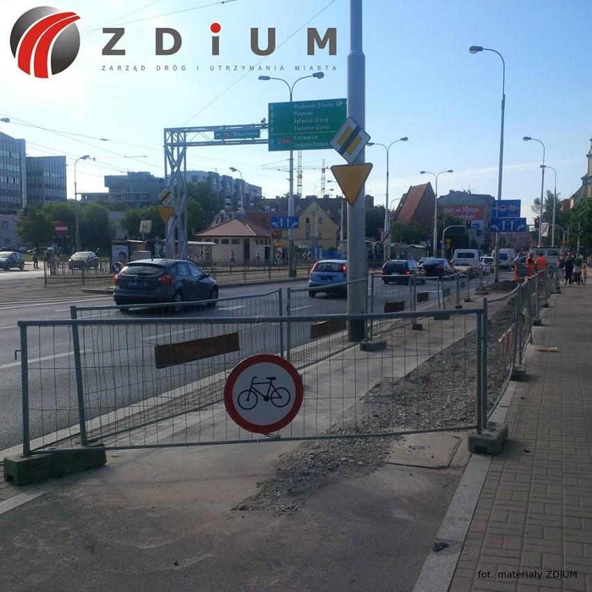 Zamknięta ścieżka rowerowa na pl. Wróblewskiego