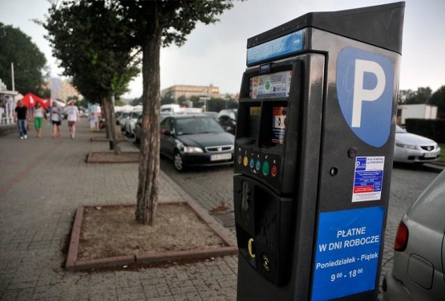 Zamieszanie w sprawie podstaw prawnych do pobierania opłat w gdyńskiej Strefie Płatnego Parkowania jest coraz większe