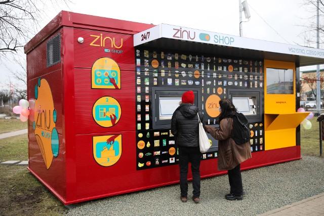 Kraków. Całodobowy, automatyczny sklep ustawiony przed M1 już działa