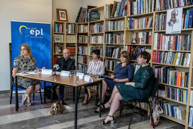 Dyskusja o konwencji antyprzemocowej w biurze poselskim Magdaleny Adamowicz