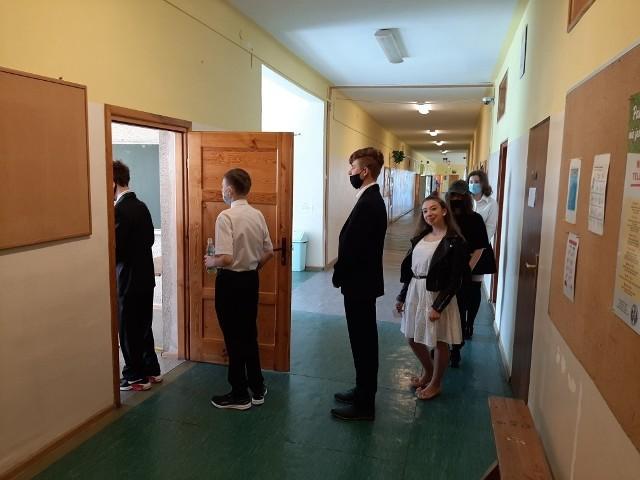 Na egzamin wchodzą uczniowie Szkoły Podstawowej nr 1 w Sandomierzu.