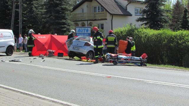 Cztery Osoby poszkodowane w wypadku w miejscowości Paprotnia koło Brzezin