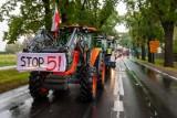 Rolnicza blokada pod Bydgoszczą - zablokowali krajówkę od strony Nakła [zdjęcia]