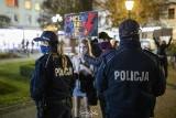 Pięć miesięcy po Strajku Kobiet policja w Kluczborku wzywa uczestniczkę protestu na przesłuchanie. Za używanie nieprzyzwoitych słów