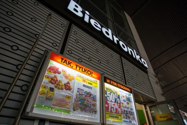 Biedronka nieprawidłowo informowała klientów o cenach, uznał Urząd Ochrony Konkurencji i Konsumentów. 115 mln zł kary dla sklepów Biedronki za różnice między ceną na półce, a ceną towaru płaconą w kasie.