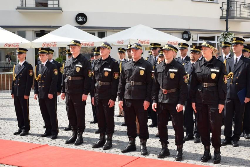 Straż Miejska w Białymstoku powstała 1 czerwca 1991 roku....