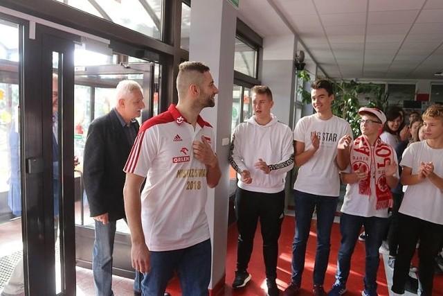 Grzegorz Łomacz znów w rodzinnej Ostrołęce! Już w piątek