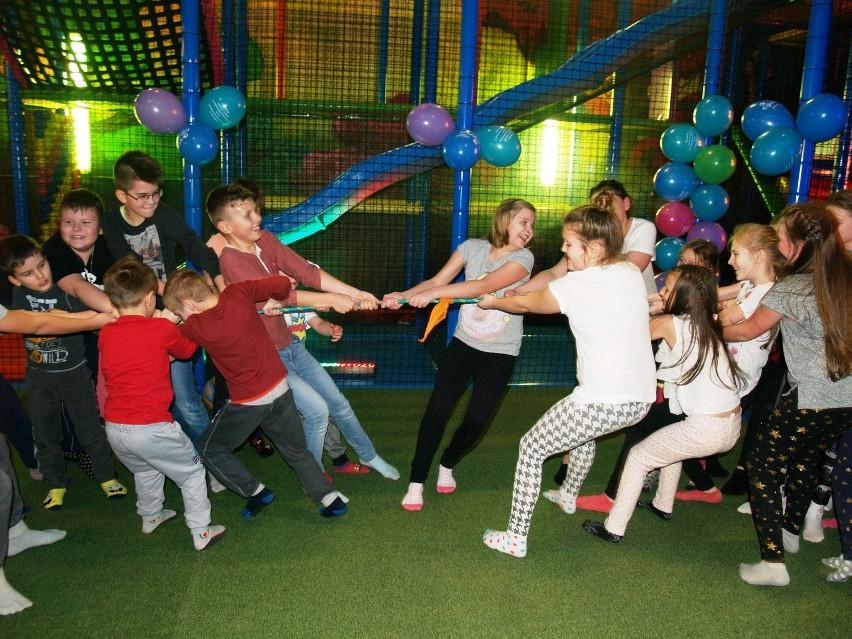 Dziecięca impreza sylwestrowa w Figlarium [ZDJĘCIA]