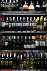 Sklep z alkoholem za blisko kościoła i szkoły? Jak się to ma do przepisów