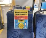 Specjalne oznaczenia miejsc w gdyńskich autobusach. Pasażerowie w Gdyni spokojnie przyjęli ograniczenia. Nie ma większych awantur