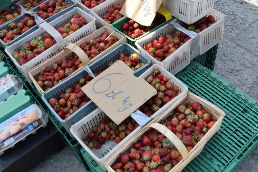 Ceny truskawek spadły do 6 złotych za kilogram.