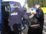 Napad na stację paliw i kradzież samochodu. Polskie i niemieckie służby w akcji (ZDJĘCIA)