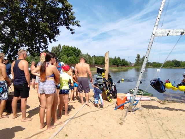 Z wyciągu oraz infrastruktury wakeparku można korzystać siedem dni w tygodniu, do końca września.