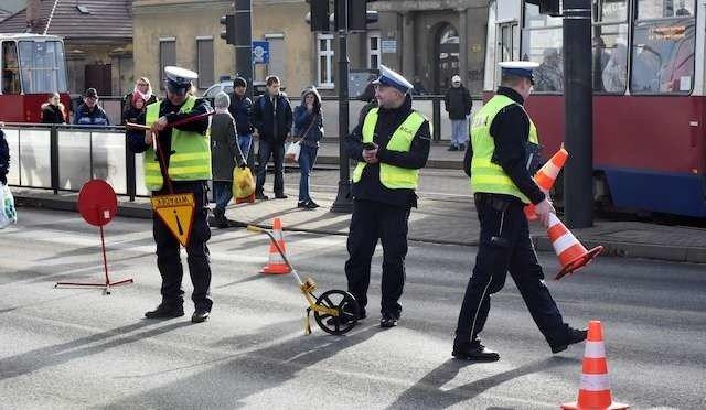 Wypadek Na Skrzyżowaniu Focha Z Królowej Jadwigi Potrącono Pieszego