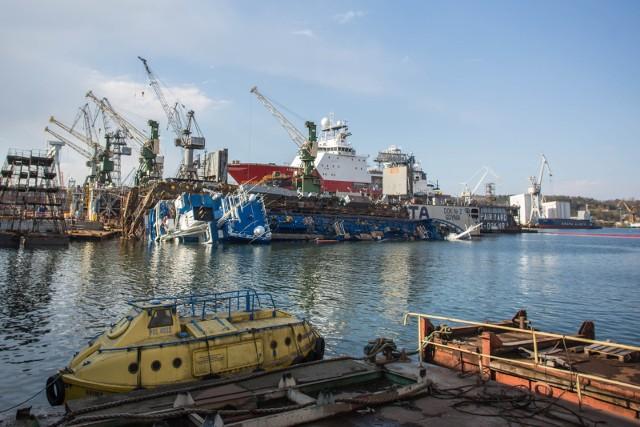 Specjaliści z Holandii podniosą z dna częściowo zatopionego chemikaliowca Hordafor V, który przewrócił się pod koniec kwietnia 2017