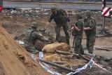 Nowy Dwór: Wykopali bombę a potem ją zakopali. Obok gazociągu