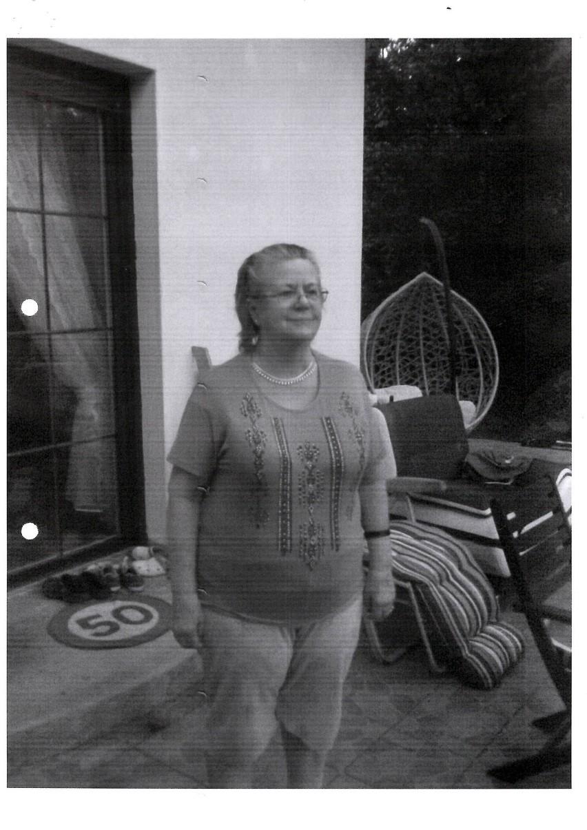 Policja poszukuje zaginionej 70-letniej pani Marianny Śniegowskiej z Torunia. Kobieta wyszła z domu przy ul. Ślaskiego w sobotę 17 października.
