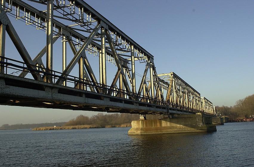 Za unijne pieniądze, o które miał walczyć w Warszawie wiceprezydent Szczecina Mirosław Czesny miałyby być zbudowane nowe mosty przez Odrę i Regalicę.