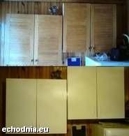 Na górnym zdjęciu szafki przed oklejeniem ich tapetą, a na dolnym po. Fot. Anna Niedzielska