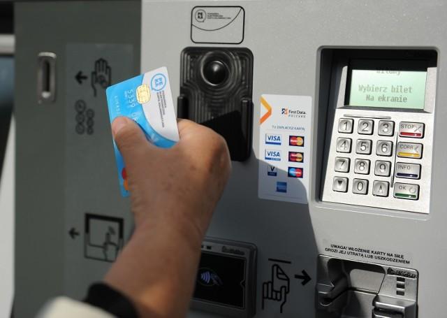 PEKA: Oprócz biletów papierowych pojawią się nowe z czipem