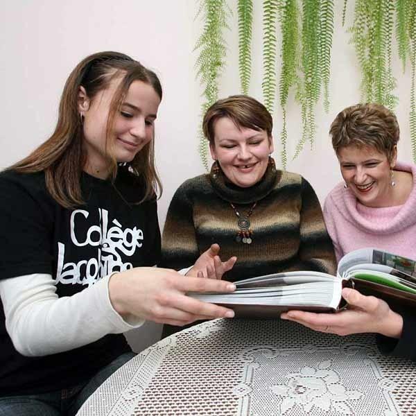 Paulina Lechowicz, Joanna Wiśniewska i Marta Urban wspominają pobyt we Francji.