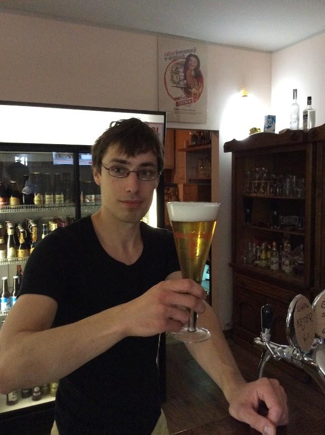 """W """"Piwnej Stopie"""" przy ul. Szewskiej działa """"Piwny depozyt"""". To miejsce, w którym piwowarzy wymieniają się domowymi piwami"""