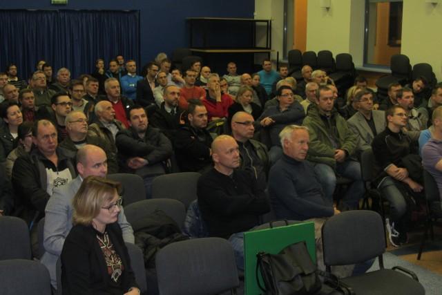 Kilkuset mieszkańców gminy Tarnowo Podgórne i Dopiewo spotkało się w  piątkowy  wieczór  z przedstawicielami Polskich Sieci Elektroenergetycznych.