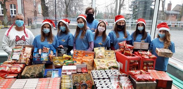 Finał akcji Szkolnego Koła Wolontariatu ZST w Kcyni odbył się 8 grudnia. Paczki otrzymało 37 seniorów w trudnej sytuacji życiowej.