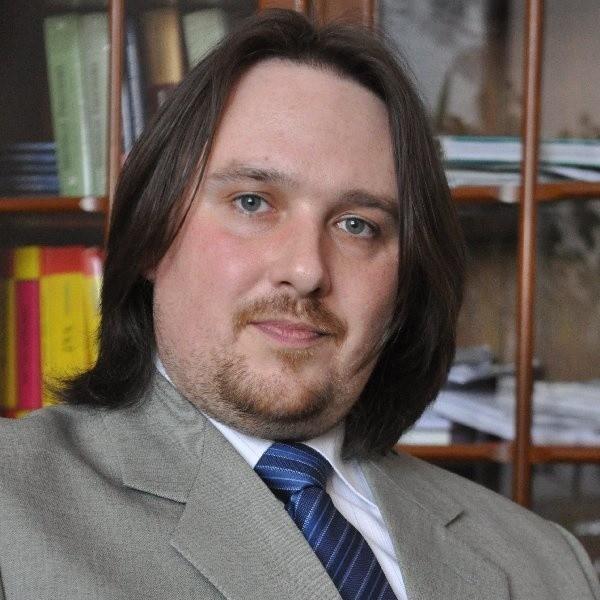 Nielegalny handel w internecie. - W Bydgoszczy fiskus to wytropi - mówi Maciej Cichański