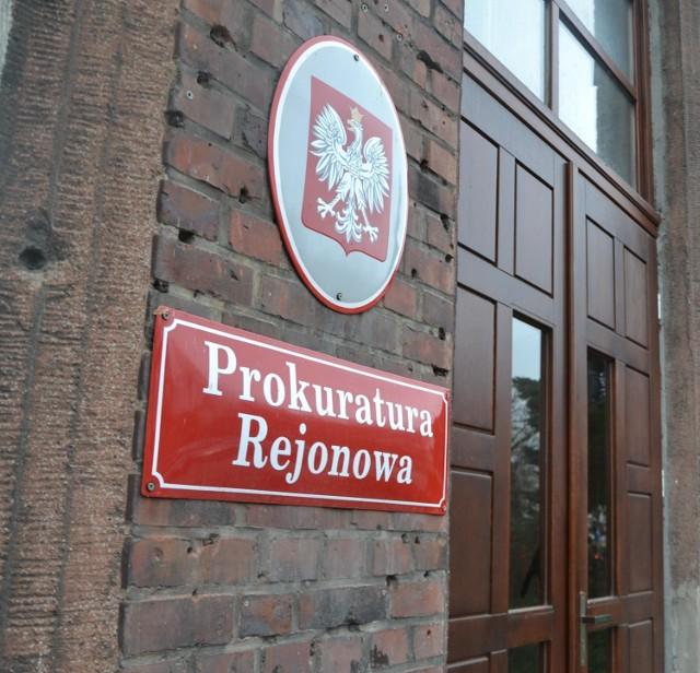 Prokuratura w Malborku sprawdzi, czy do śmierci 80-latka w Kaczynosie przyczyniły się osoby trzecie