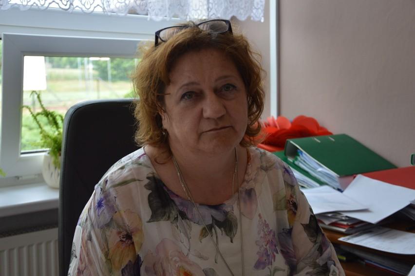 Dorota Twaróg, dyrektor Szkoły Podstawowej im. św. Jana...