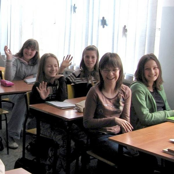 W klasie czeka już miejsce na Anriettę. Wszyscy jej koledzy będą trzymać kciuki, żeby udało jej się napisać test.
