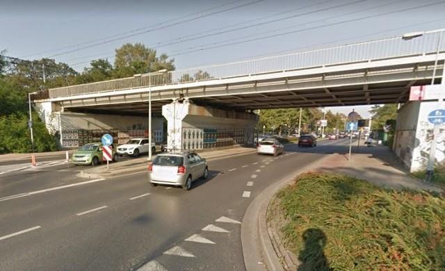 Wraz z budową nowych ścieżek rowerowych przebudowane zostanie skrzyżowanie ulic Racławickiej i Skarbowców we Wrocławiu.