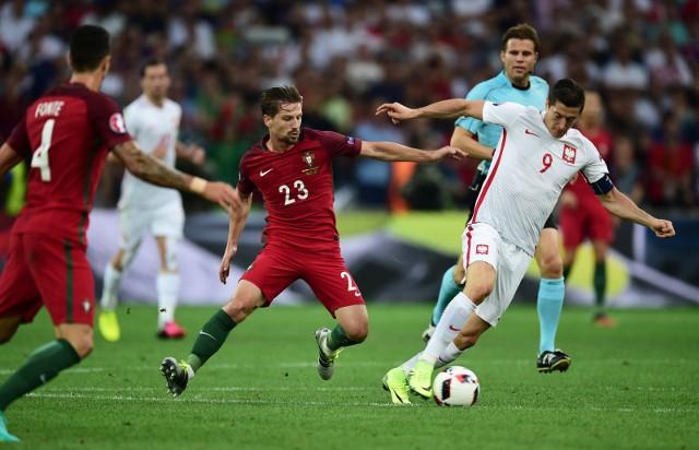 Z Euro 2016 Polska odpadła w ćwierćfinale po porażce w karnych z Portugalią. Za udział w tym turnieju Biało-Czerwoni dostali 14,5 mln euroZobacz kolejne zdjęcia. Przesuwaj zdjęcia w prawo - naciśnij strzałkę lub przycisk NASTĘPNE