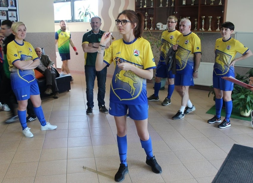 XXI Turniej Sportowy Radnych Gmin Powiatu Oleskiego w Zębowicach.