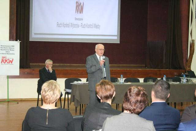 Debatę zorganizował i prowadził Andrzej Morawski