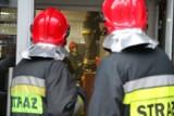 Próbował nocą wejść do domu przez okno, ale się zaklinował. Przyjechali strażacy i wysmarowali go oliwą!