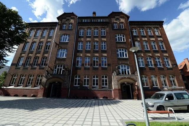 VIII LO w Poznaniu już przy Cegielskiego. Zobacz, jak wygląda