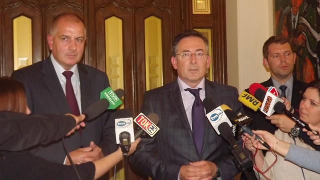 Minister spraw wewnętrznych Bartłomiej Sienkiewicz z prezydentem Wrocławia Rafałem Dutkiewiczem rozmawiał o walce przestępczością na tle rasowym i ideologicznym.
