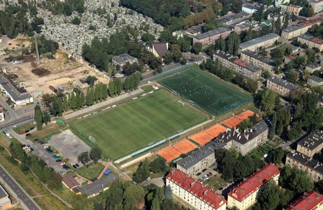 Mecz Zagłębie kontra Śląsk odbędzie się na stadionie przy alei Mireckiego. Wejście na stadion jest darmowe.