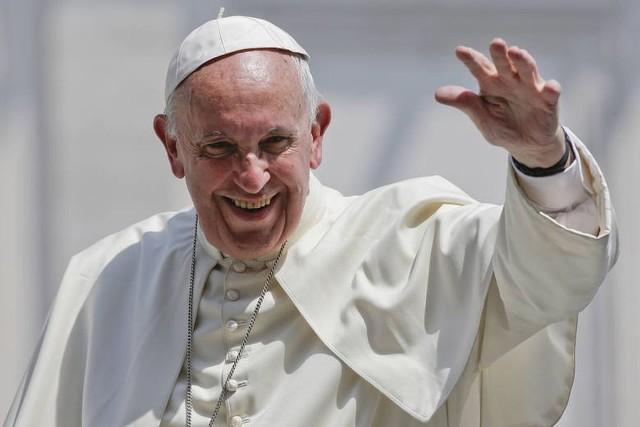 Wielu zwolenników przepowiedni próbuje przypisać imięPiotr Rzymianin obecnemu papieżowi Franciszkowi.