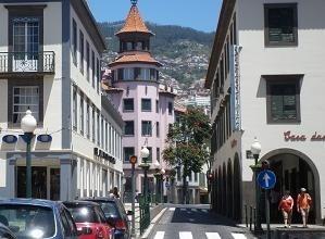 Dla wielu gości Funchal, czyli stolica Madery, jest kwintesencja tej wyspy.
