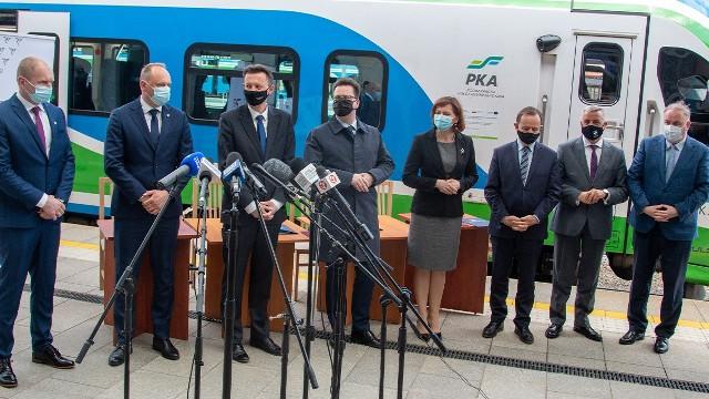 We wtorek 27 bm. podpisano kontrakt na budowę zaplecza technicznego dla pociągów. To kolejny etap rozwoju Podkarpackiej Kolei Aglomeracyjnej.