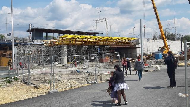 Tak wygląda postęp prac na centrum przesiadkowym Opole Wschodnie.