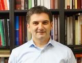 Profesor Piotr Guzowski, historyk z Uniwersytetu w Białymstoku, nagrodzony za swoją książkę