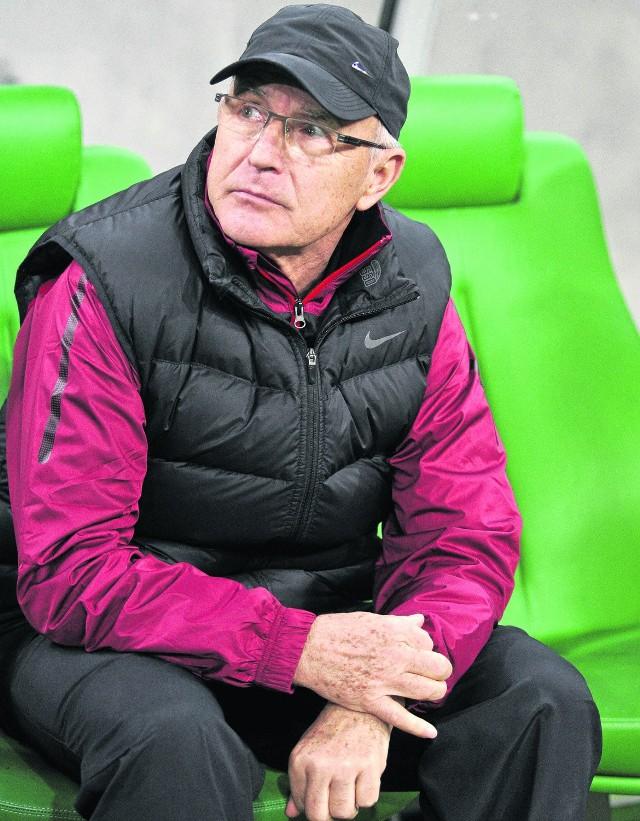 Orest Lenczyk ma okazję poznać bliżej swoich piłkarzy