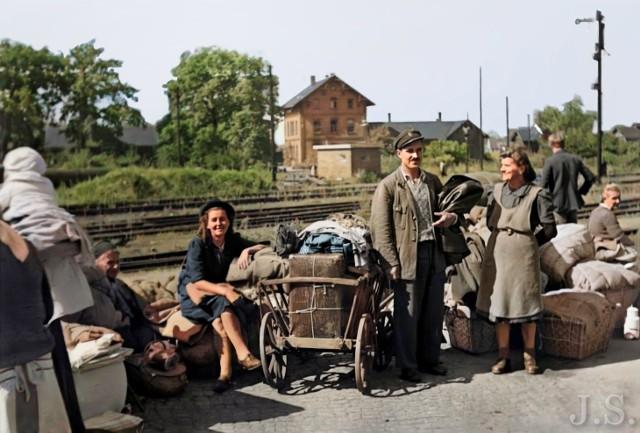 To niezwykła podroż historyczna po Lubsku. Zerknijcie na archiwalne zdjęcia miasta. Pierwsze z nich przedstawiają repatriantów, którzy tu po wojnie przybyli do miasta.
