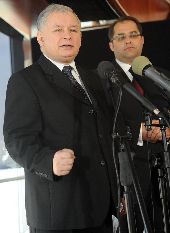 Lęk Polaków przed obcymi w swojej kampanii wykorzystuje zwłaszcza Prawo i Sprawiedliwość.