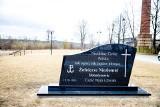 Supraśl. Słynny pomnik ku czci Żołnierzy Niezłomnych zniknął z plaży